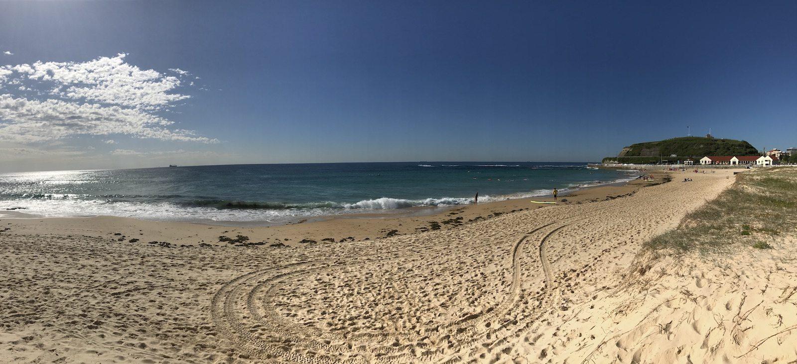nobbys-beach